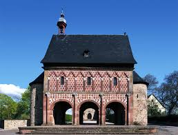 romanesque architecture explained u2014 gentleman u0027s gazette