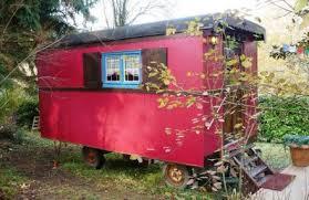 chambre d hote chaponost gîtes et chambres d hôtes dormir en roulotte chaponost 69