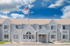 microtel inn u0026 suites by wyndham janesville janesville hotels