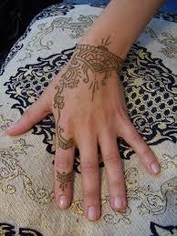 henna henna is orange brown not black black