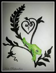 design of tree frog on vine by designkreations on deviantart