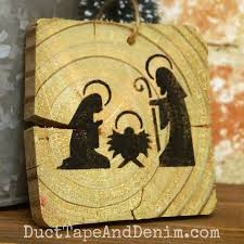 how to stencil nativity ornaments on wood scraps