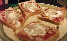 cuisiner au micro ondes recette pizza express au micro ondes pas chère et instantané
