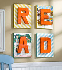 read wall decor joann