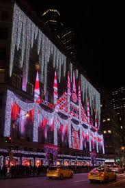 saks fifth avenue lights new york city christmas 10 great things to see in the city