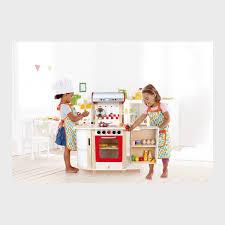 hape spielküche hape kitchen white starter set gourmet play kitchen