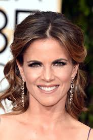 hairstyles golden globes natalie morales in 73rd annual golden globe awards arrivals zimbio