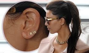 kanye west earrings kanye west wearing earrings best earring 2017