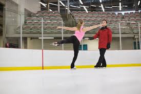 what to expect with beginner ice skating lessons