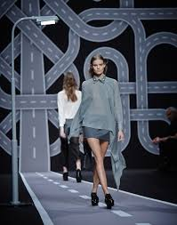 fashion intersects interstate viktor u0026 rolf fw14 fashion show