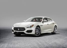 maserati quattroporte saloon review 2016 first look 2017 maserati quattroporte canadian auto review