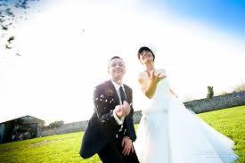 pose photo mariage mariage la mariee aux pieds nus mariage le temps d une pose