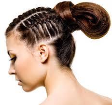 Coole Frisuren Fuer Lange Haare by Coole Flechtfrisur Mit Lockerem Haarknoten Flechtfrisuren Für