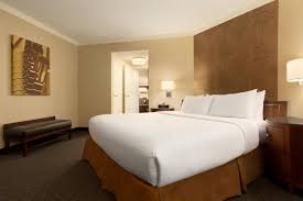 hotel embassy suites town lake austin tx booking com