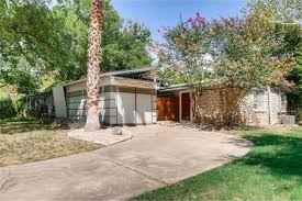 Darling Patio Homes by Darling Small Home With Mod Remodel Asks 259k Curbed Austin