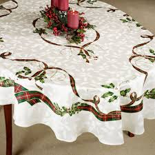 lenox holiday nouveau holly table linens