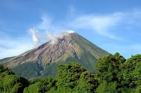 a trip to discover nicaragua and its nature in south america