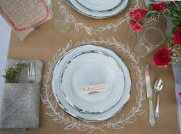 7 ways to sprucen up your thanksgiving table with kraft paper