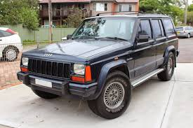 built jeep cherokee chaos of the road very used car review u2013 1995 jeep cherokee xj