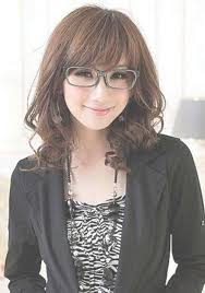 hairstyles glasses round faces showing gallery of medium haircuts for round faces and glasses view