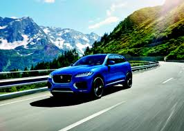 jaguar cars 2016 jaguar f pace named 2016 women u0027s world car of the year