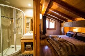 chambre chalet luxe chalet pour 16 personnes à méribel chalet 8 chambres à méribel