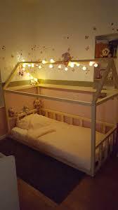 comment faire une cabane dans sa chambre diy le lit cabane de zazouille sandoline partagent avec vous leur