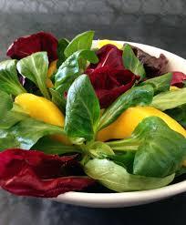 cuisiner la salade verte salade verte à la mangue la recette facile par toqués 2 cuisine