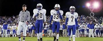 is friday night lights on netflix 5 reasons to watch friday night lights before it leaves netflix