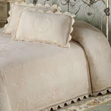Skirted Coverlet Maisonnette Matelasse Bedspread