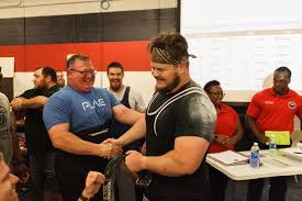 powerlifting records set at commonwealth games competition