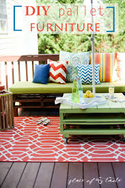 Patio Furniture Green by Diy Pallet Furniture A Patio Makeover