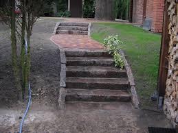 treppen derstappen treppe aus gebrauchten rotbunten granitsteinborden 2 derstappen