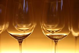wine glasses does the shape of the wine glass affect the taste of the wine
