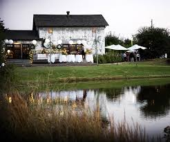 Country Chic Wedding Real Weddings A Twist On Country Chic