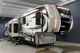 jayco pinnacle rvs michigan jayco dealer new 2017 jayco pinnacle 38refs rp0077 30 photos 5th wheel