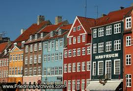 colorful building buildings 1 6x8 300 dpi