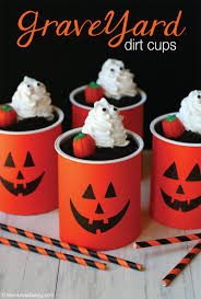graveyard dirt cups mom loves baking