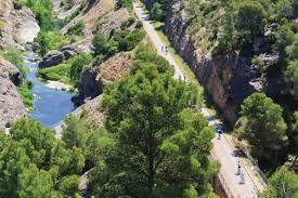 auf die pedale fertig los katalonien tourismus