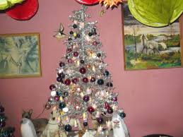 the silver christmas tree first came out in the 1970s happy