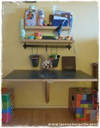 fabriquer bureau enfant diy le bureau enfant gain de place 2 en 1 la cour des petits