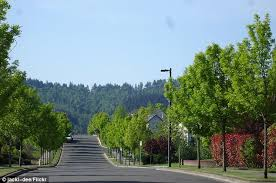 Most Picturesque Towns In Usa by List Of Small Towns In Usa Travel Holiday Map Travelquaz Com