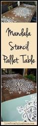set de table originaux mandala stencil pallet table stenciling pallets and craft