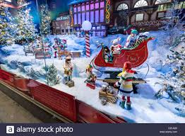 Christmas Window Decorations In Nyc by Christmas Holiday Store Window Decorations Rhinebeck New York