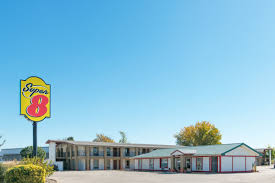 Bus To Six Flags St Louis Super 8 Fenton St Louis Area Fenton Hotels Mo 63026