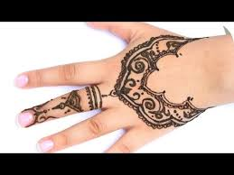 the 25 best sanny kaur ideas on pinterest leicht henna muster