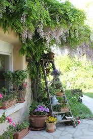 Outdoor Planter Ideas by Best 20 Garden Oasis Ideas On Pinterest Small Garden Planting