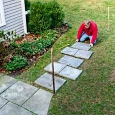 How To Lay A Paver Best 25 Stepping Stone Walkways Ideas On Pinterest Stone