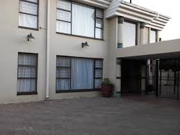 5 Bedrooms by House For Sale In Laudium 5 Bedroom 3291908 9 23 Tivvit