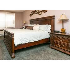 american signature queen size bed w headboard u0026 aptdeco